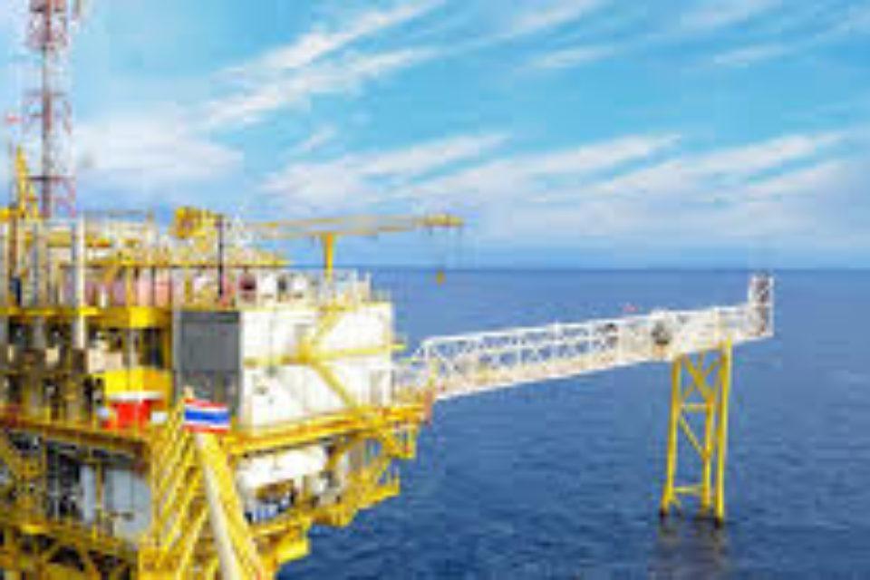 МАЕ прогнозира изчервпаве на запасите на петрол по-рано от очакваното