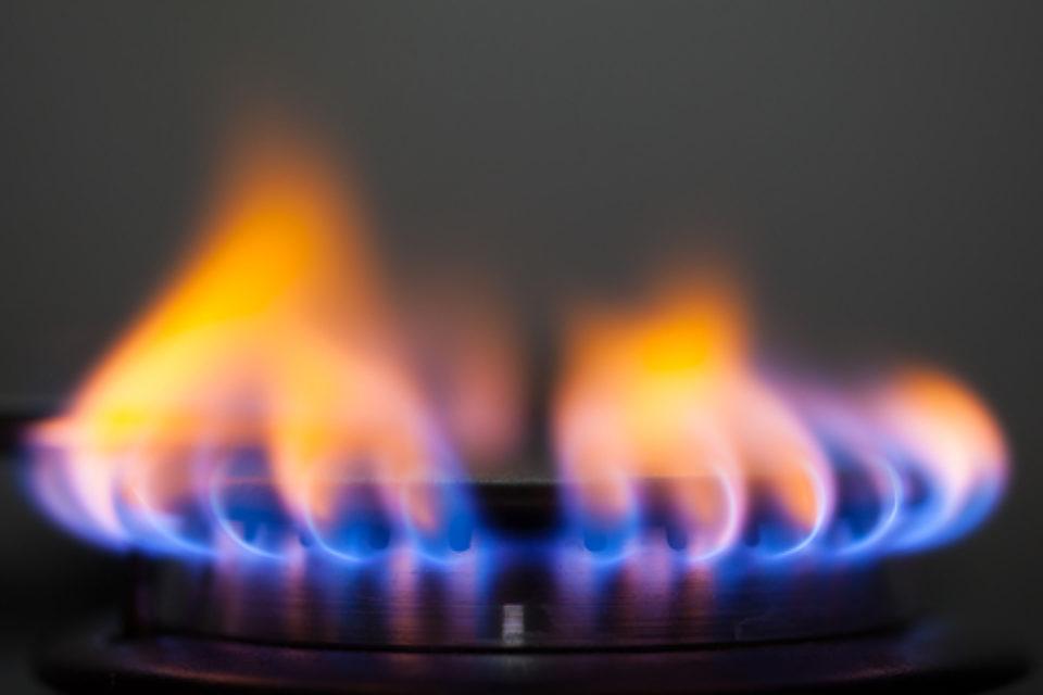 """""""Булгаргаз"""" иска природният газ да поскъпне от април"""