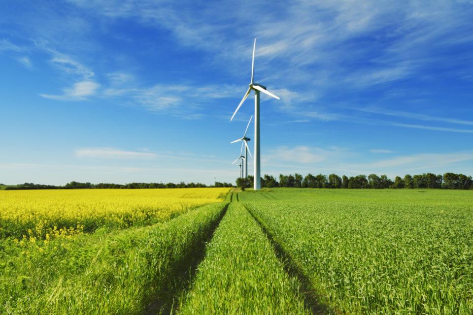 КЕВР ще одобри по-висока сума за компенсиране на бизнеса за зелената енергия