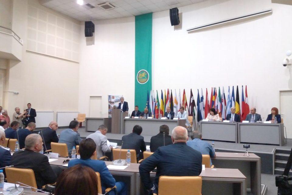 Министър Димов: България има шансове да отложи по-строгите еконорми за ТЕЦ