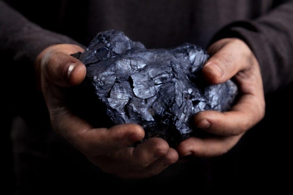 Законови промени ще ограничат използването на въглища за битово отопление