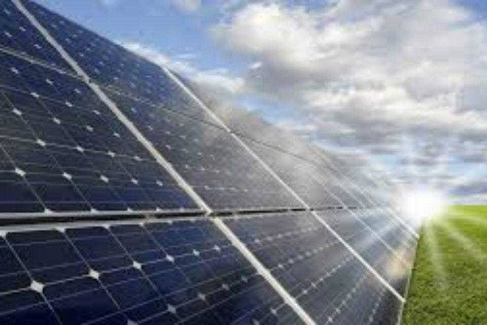 Индия създава фонд от $350 млн. за финансиране на соларни проекти