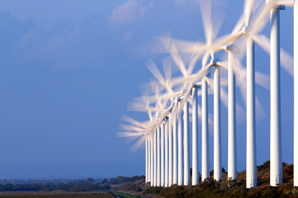 Инвестициите във вятърна енергия в ЕС са спаднали с 19% през 2017 г.