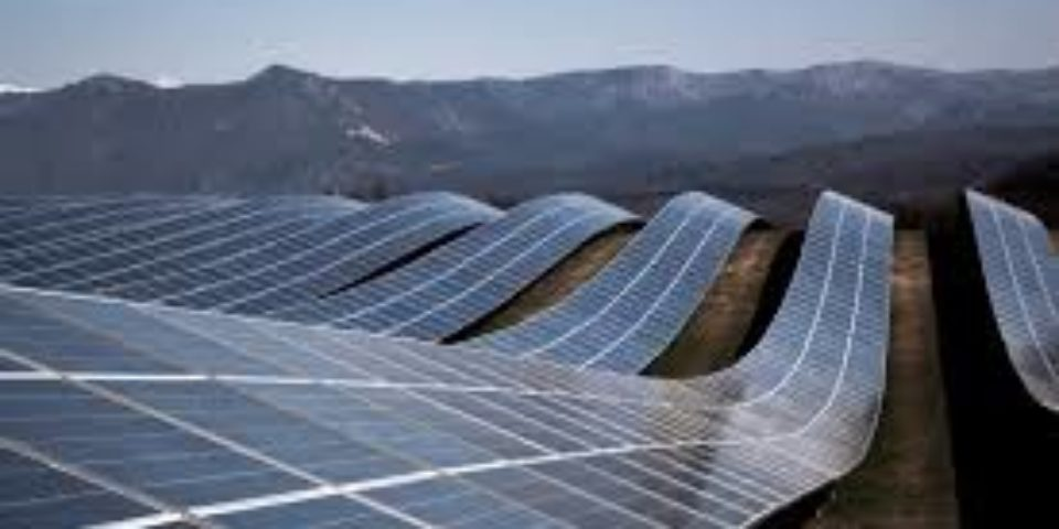 Изграждат най-голямата фотоволтаична инсталация в света в Египет