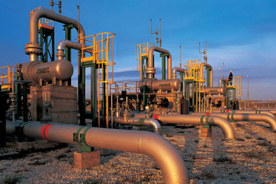 """Жалба на """"Некст инвест"""" спира търга за газовата връзка с Гърция"""